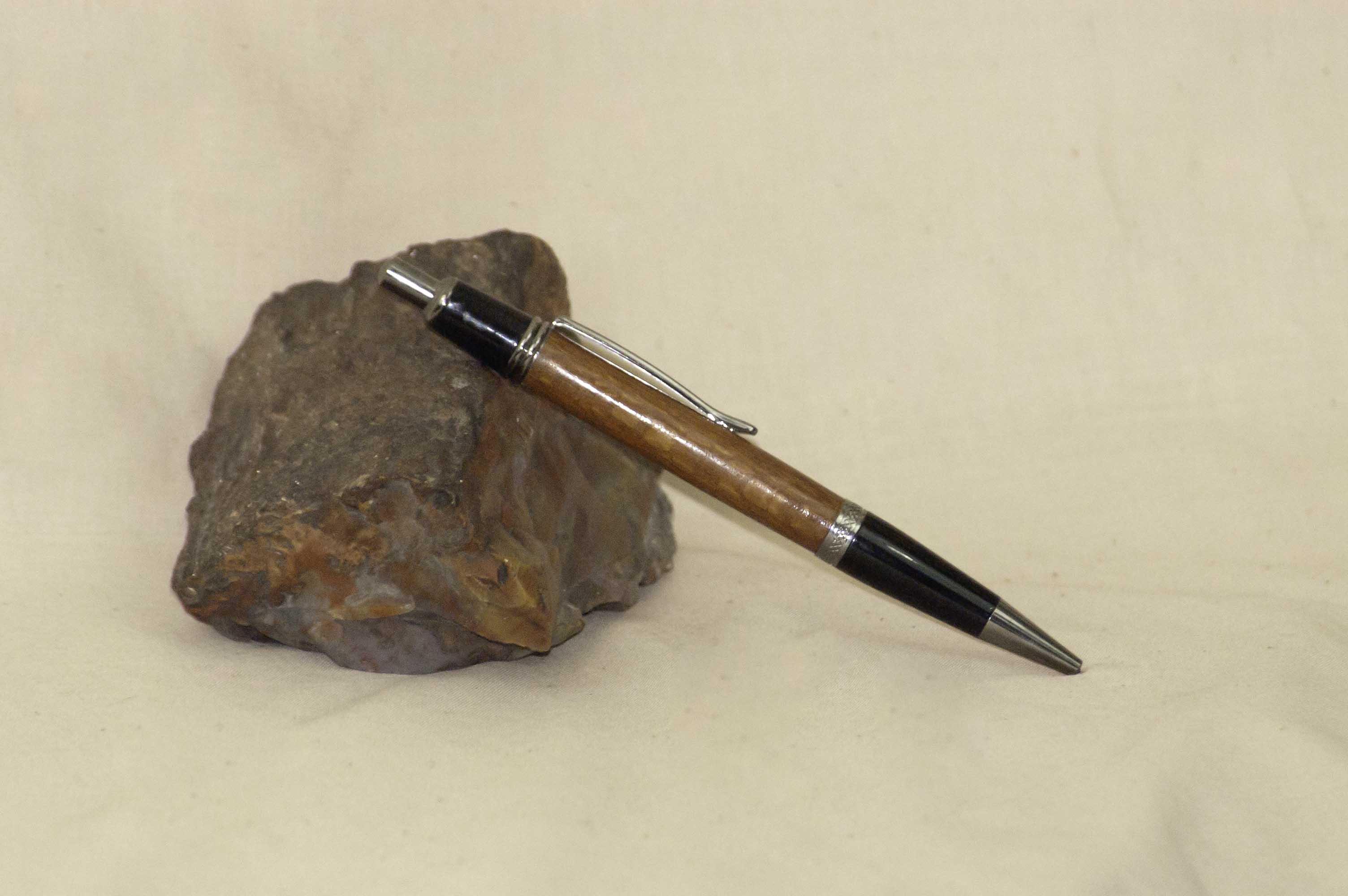 Lacewood Sierra click black titanium