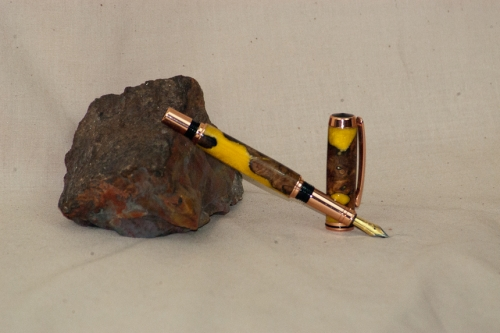 Yellow resin and burl Fountain pen